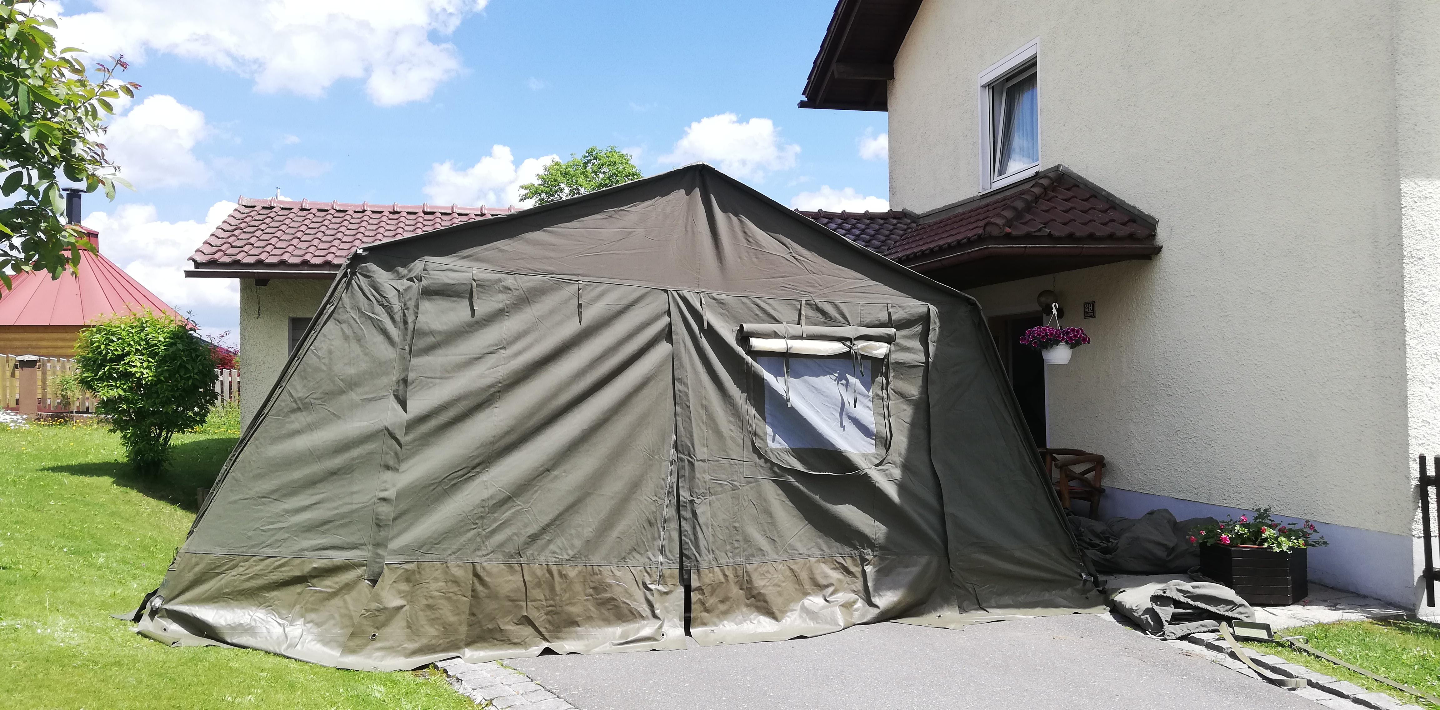 Zelt – Eingang