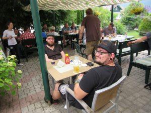 Gemeinsames Essen in Unterach am Attersee