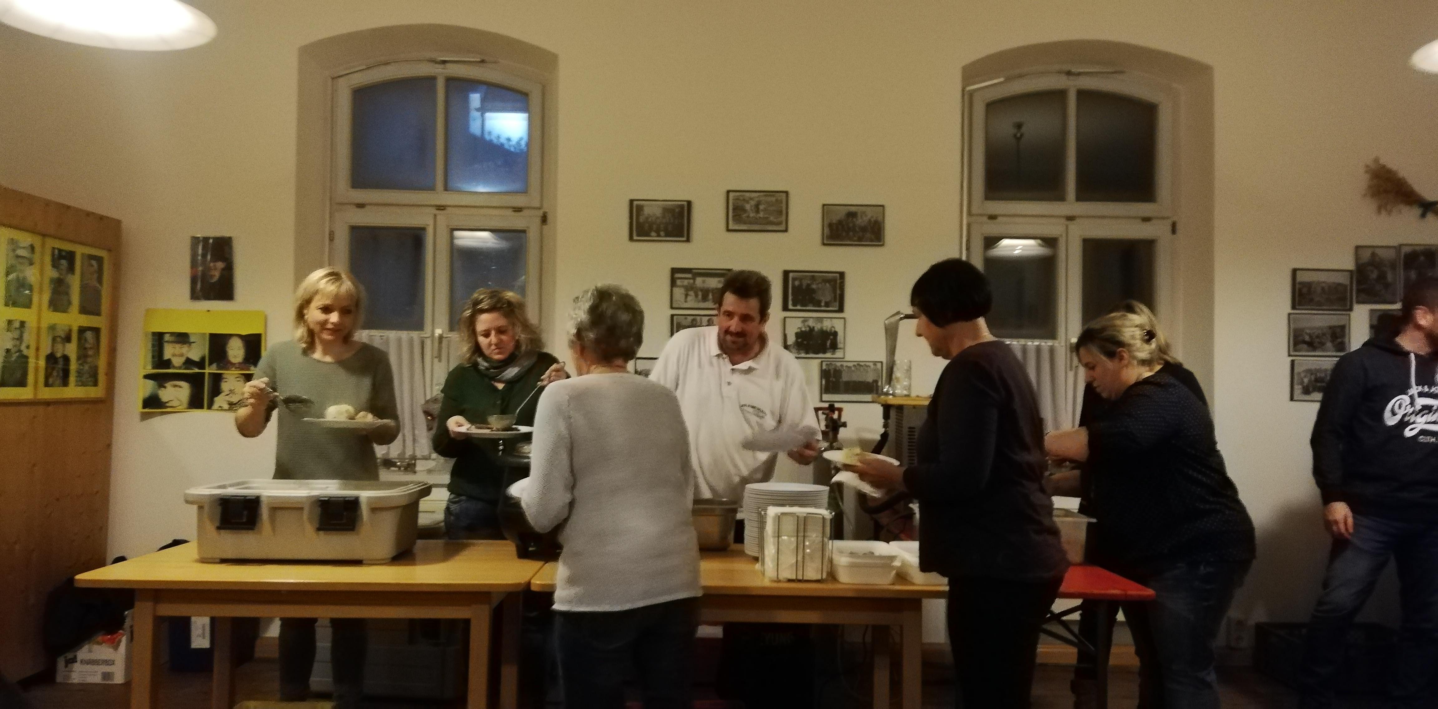 Jahresabschlussfeier 2018 - Gutes Essen von der Familie Königseder