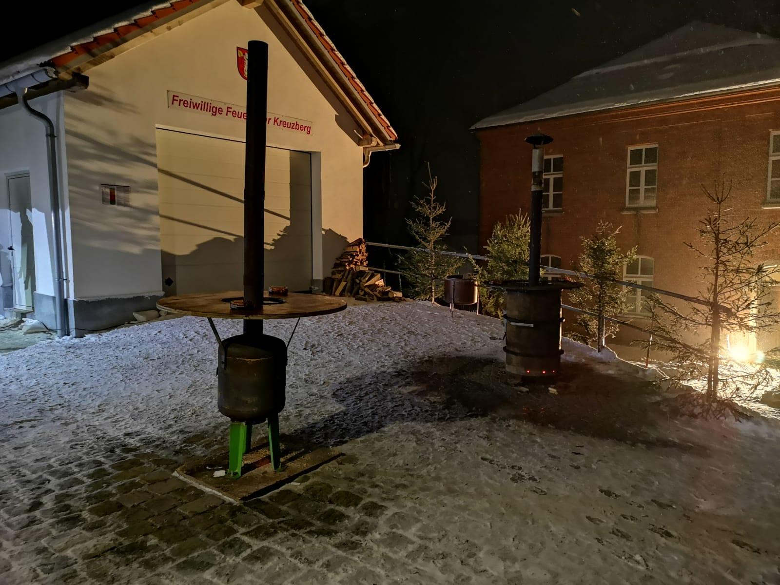 Weihnachtskonzert - Platz vor unserer MTW Garage
