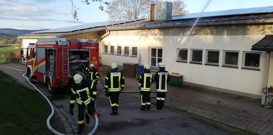 Gemeinschaftsübung - Bierhütte/Kreuzberg - Wasserversorgung ist aufgebaut