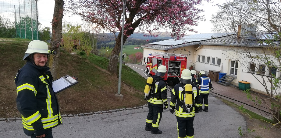 Gemeinschaftsübung - Bierhütte/Kreuzberg - Atemschutzüberwachung
