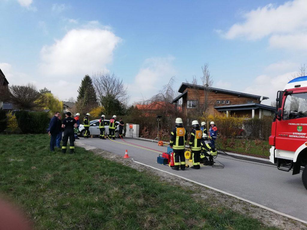 """THL Leistungsabzeichen Steindorf - Rettungstrupp am """"Unfallfahrzeug"""""""