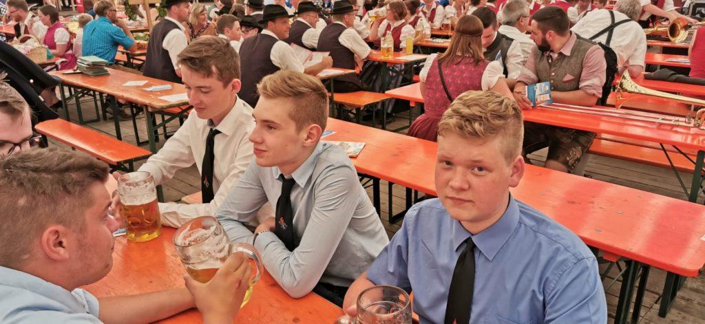 Volksfest 2019 - Im Festzelt.