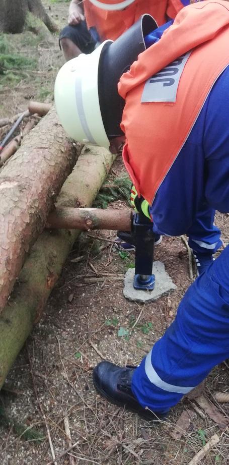 Jugendübung - Hydraulikheber: Übung des richtigen Umgangs