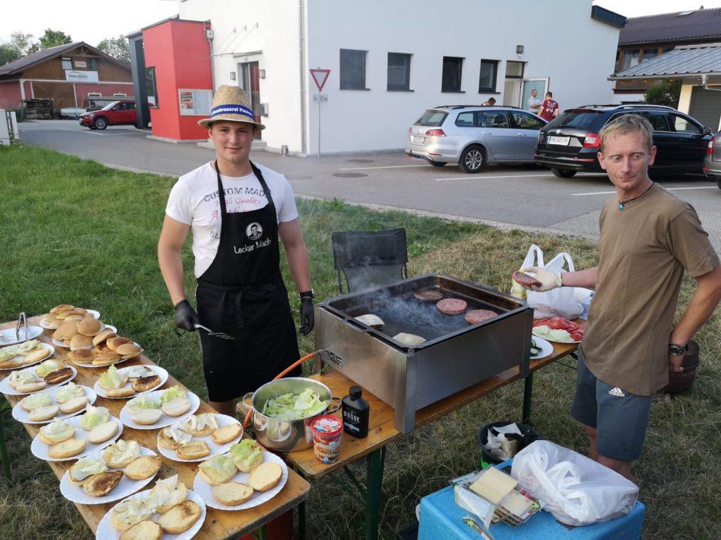 Jugendzeltlager 2019 - Unsere Köche bei der Arbeit.