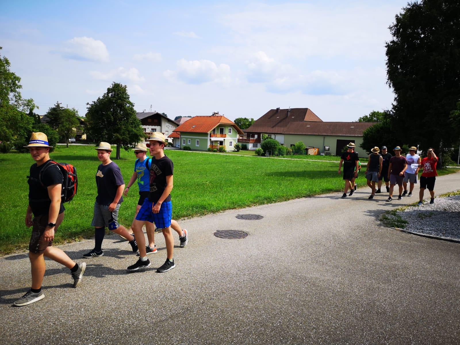 Jugendzeltlager 2019 – Wanderung zum Attersee
