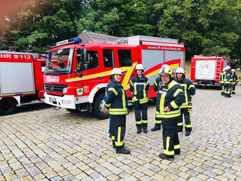 Übung - Schloss Wolfstein: Besprechung während der Übung