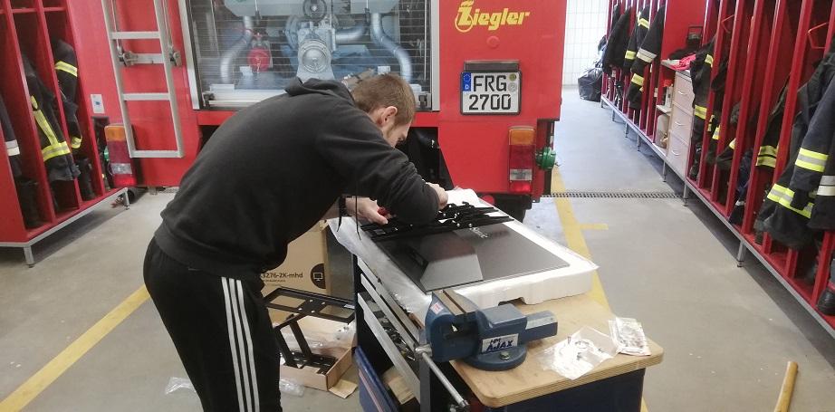 Einsatzmonitor - Anbau Halterung