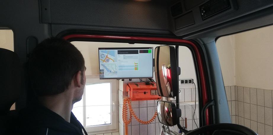 Einsatzmonitor - Erster Testbetrieb (Verkabelung etc. noch nicht fertig)