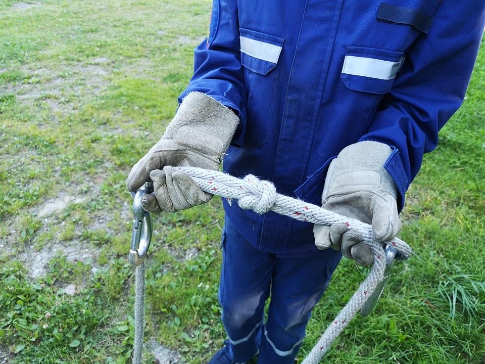 Jugendübung – Knoten und Stiche – Kreuzknoten