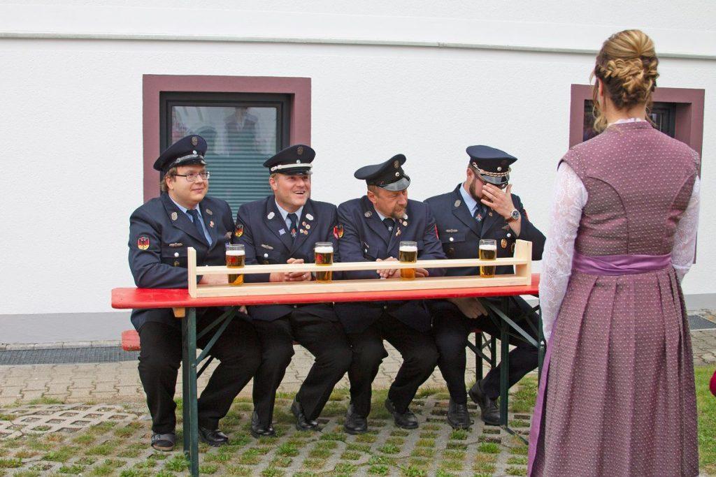 FF Kreuzberg - Fahnenmutterbitten - Bierbrettl - Start der Aufgabe