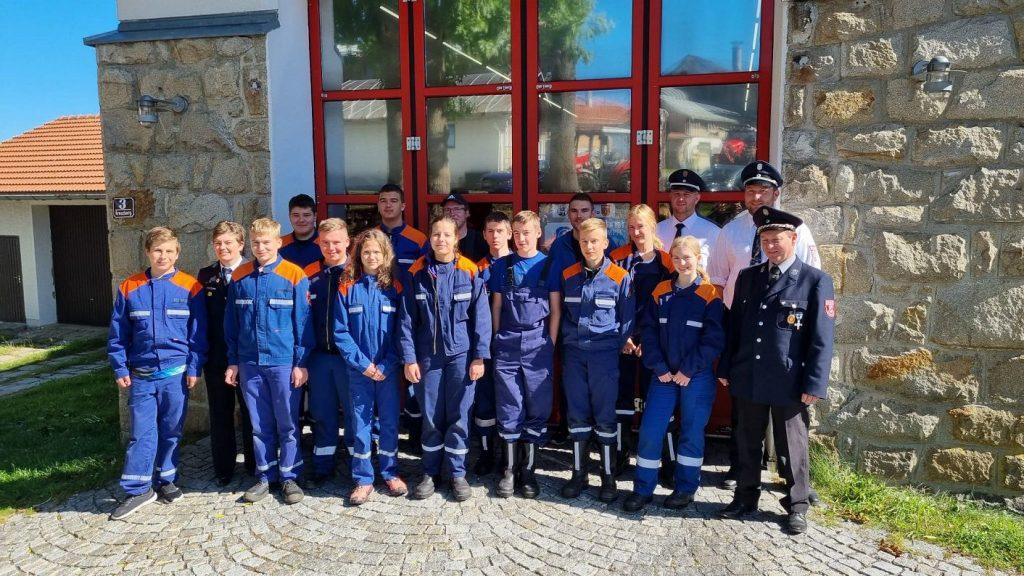 FF Kreuzberg - Jugendleistungsprüfung 2021 - Gruppenfoto der Abnahme